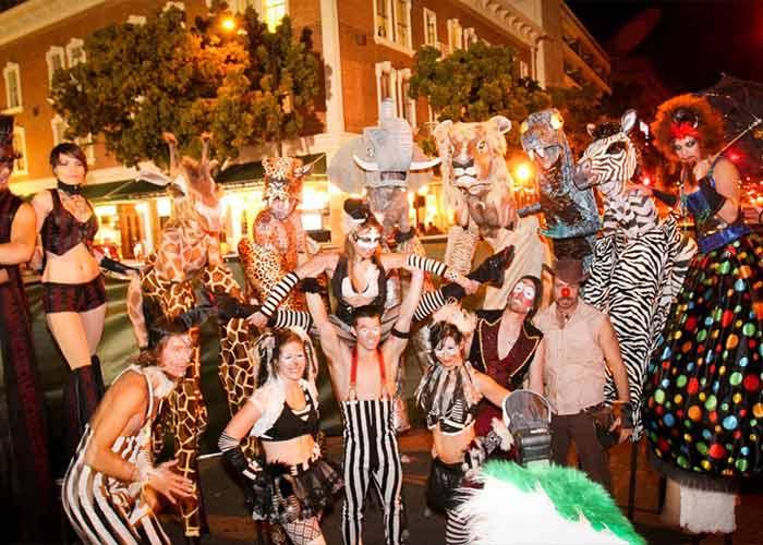 El Mardi Gras de San Diego ofrece entretenimiento, comida y bebida