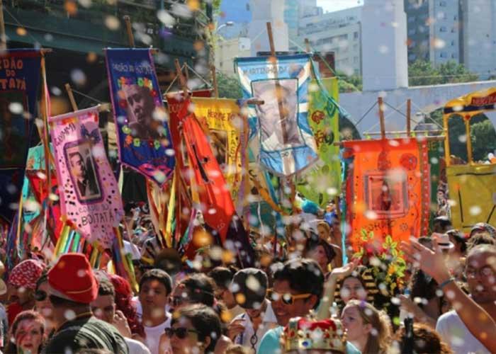 Los Blocos del carnaval de Río son conocidos como el carnaval popular