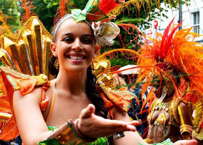 Los Mas Bands son trajes característicos de los desfiles caribeños