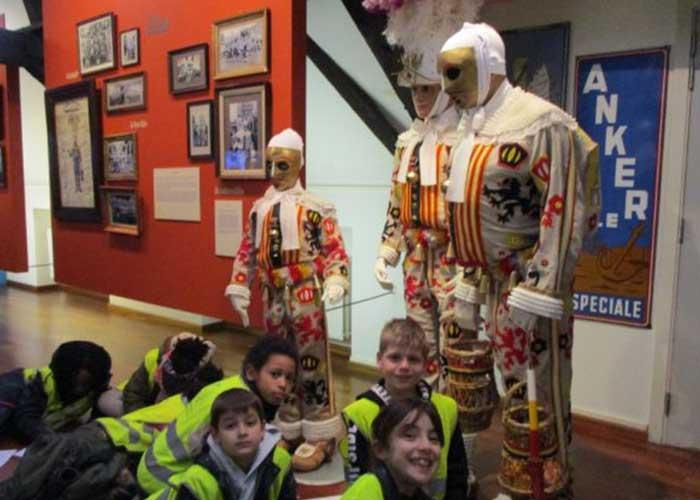 Puedes recorrer el Museo del Carnaval durante tu estadia